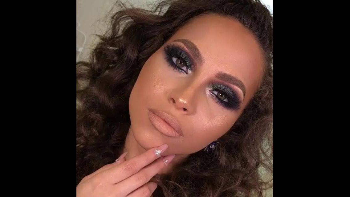 Vídeo com inspiração de maquiagem para formatura para pele morena