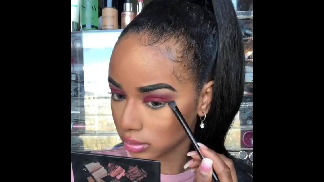 Vídeo com inspiração de maquiagem para garotas com sombra vermelha linda