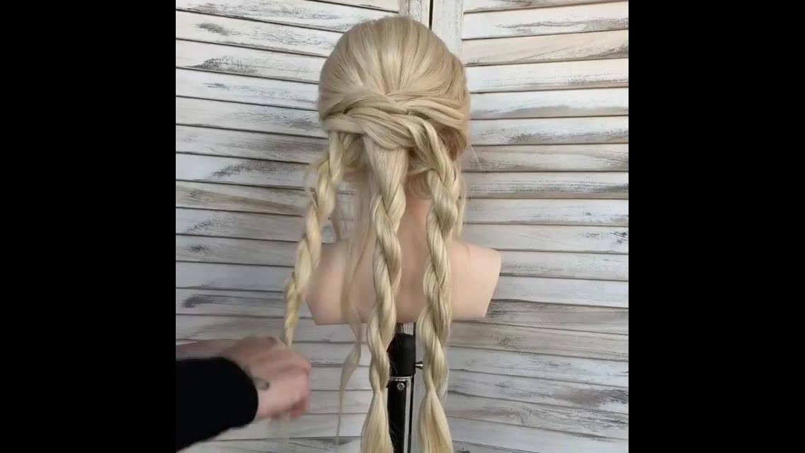 Vídeo com inspiração de penteado para cabelo longo