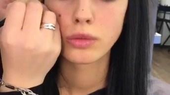 Vídeo Com Linda Transformação De Maquiagem, Simplesmente Linda!
