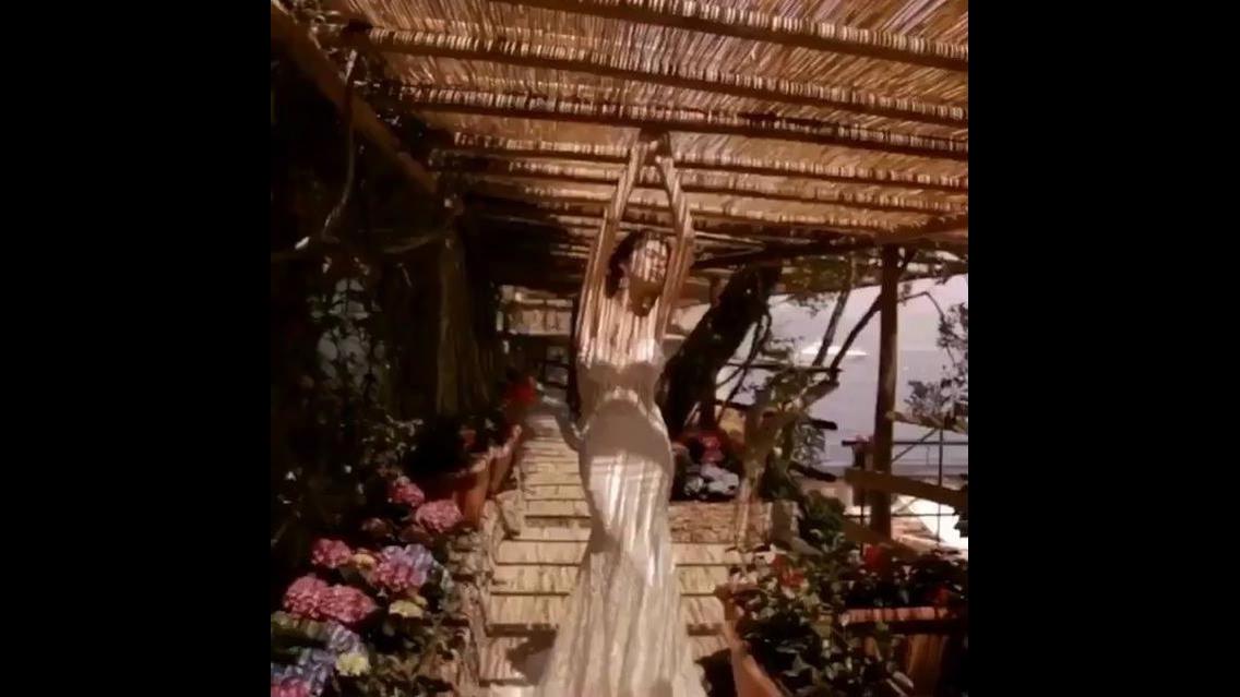 Vídeo com lindas inspirações de vestidos de noivas