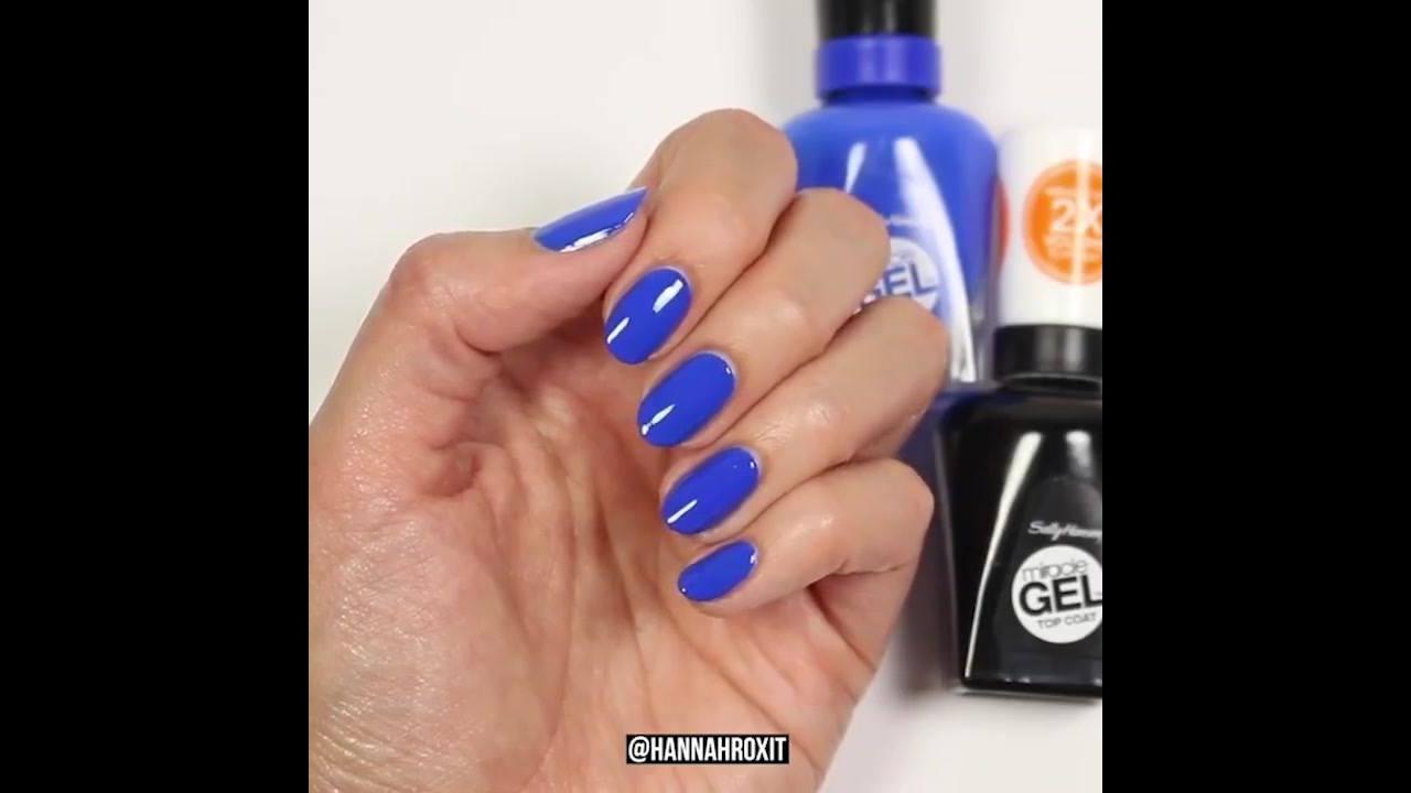 Vídeo com lindas unhas azuis, para você mesma fazer