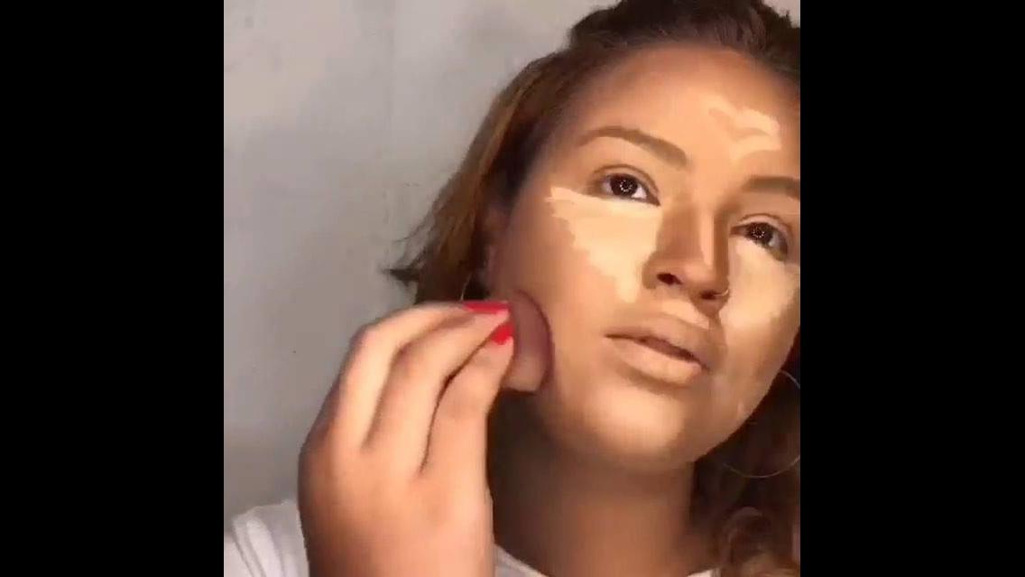Vídeo com maquiagem completa com preparação de pele, sombra marrom e batom!!!