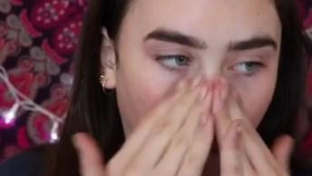 Vídeo Com Passo A Passo De Maquiagem Para Garotas Com Batom Vermelho E Delineado