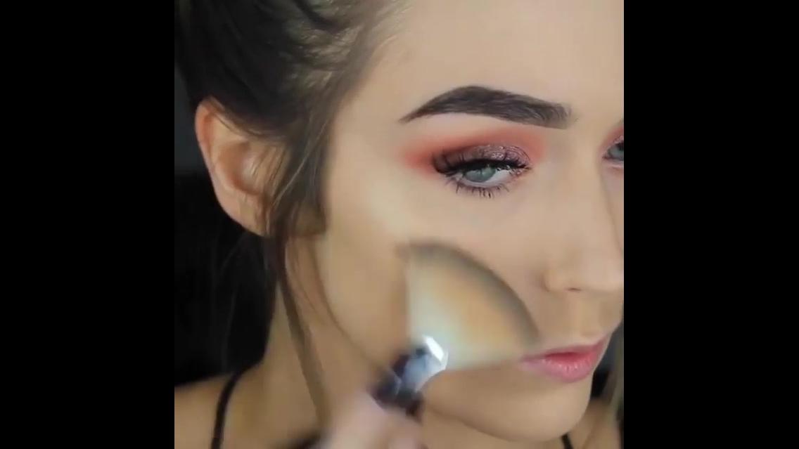 Vídeo com uma linda inspiração de maquiagem, olha só que erfeição!!!