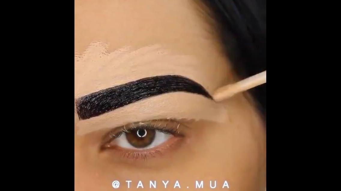 Vídeo com várias inspirações maquiagem para festas