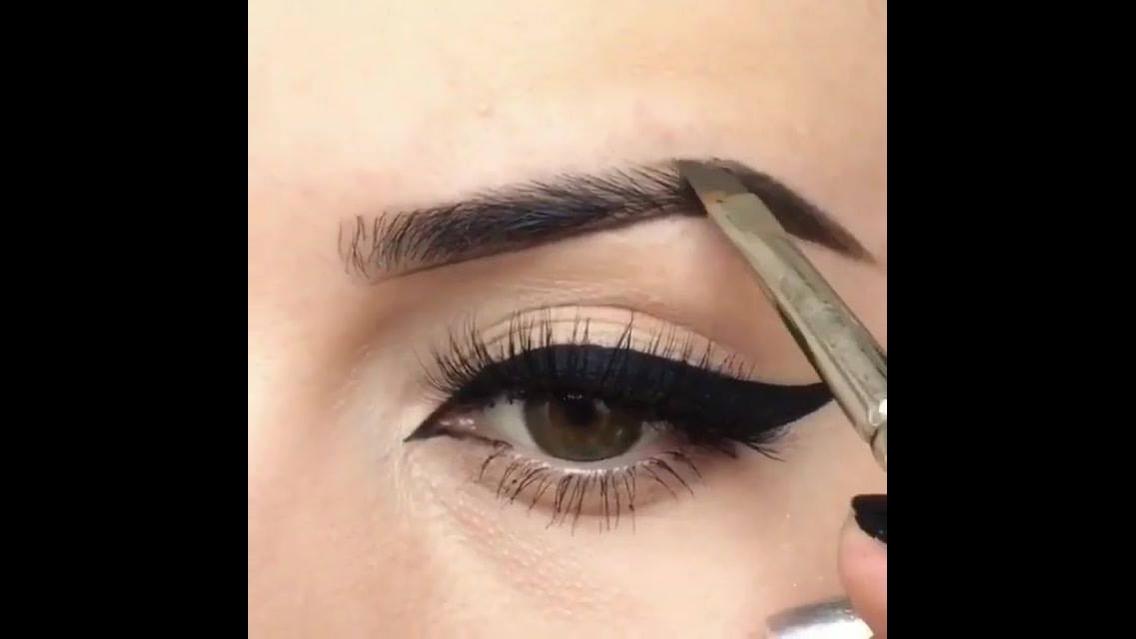 Vídeo de correção de sobrancelhas com maquiagem para começar bem o dia