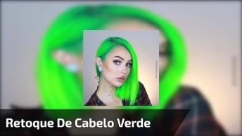 Vídeo Mostrando Retoque De Cabelo De Cor Verde, Feito Sem Sair De Casa!