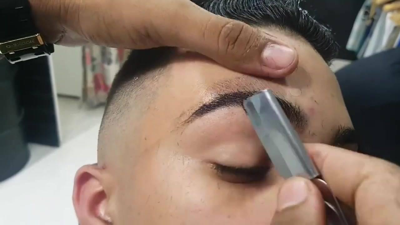 Vídeo mostrando sobrancelha masculina feita com navalha, simplesmente perfeita!