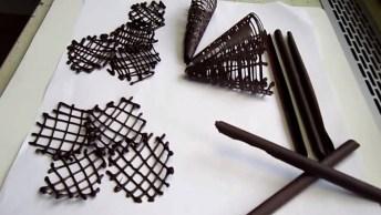 Aprenda A Fazer Peças De Chocolates Para Decorar Seus Bolos!