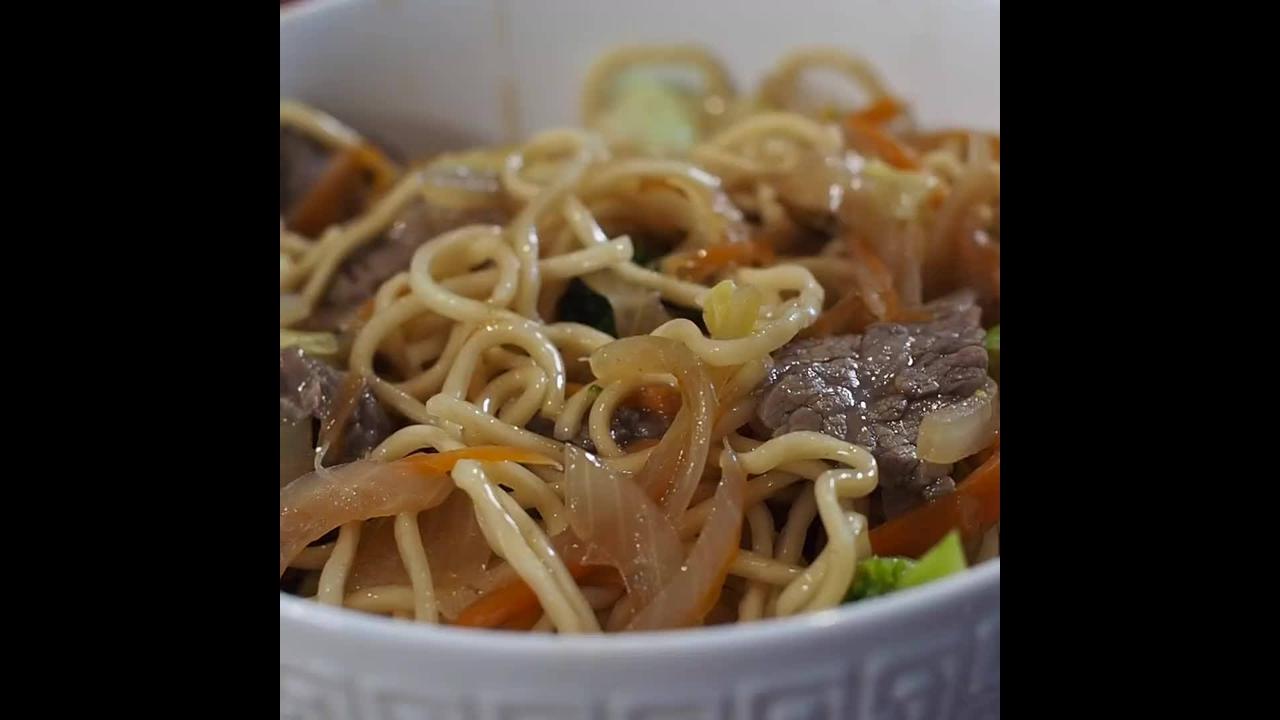 Aprenda a fazer um delicioso Yakisoba, um prato maravilhoso!