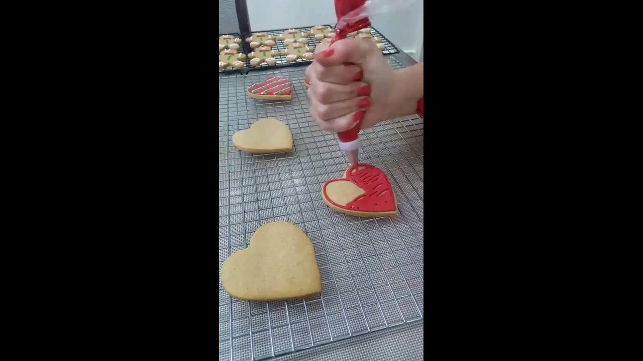 Aprendendo a decorar biscoitos