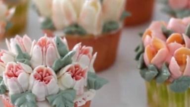 Bicos Para Decorar Cupcake Com Flores, Você Vai Amar Essa Ideia!
