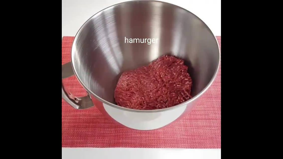 Bolinhos de carne moída assados com batata
