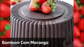 Bolo Bombom De Chocolate Recheado Com Morango E Creme De Leite Condensado!