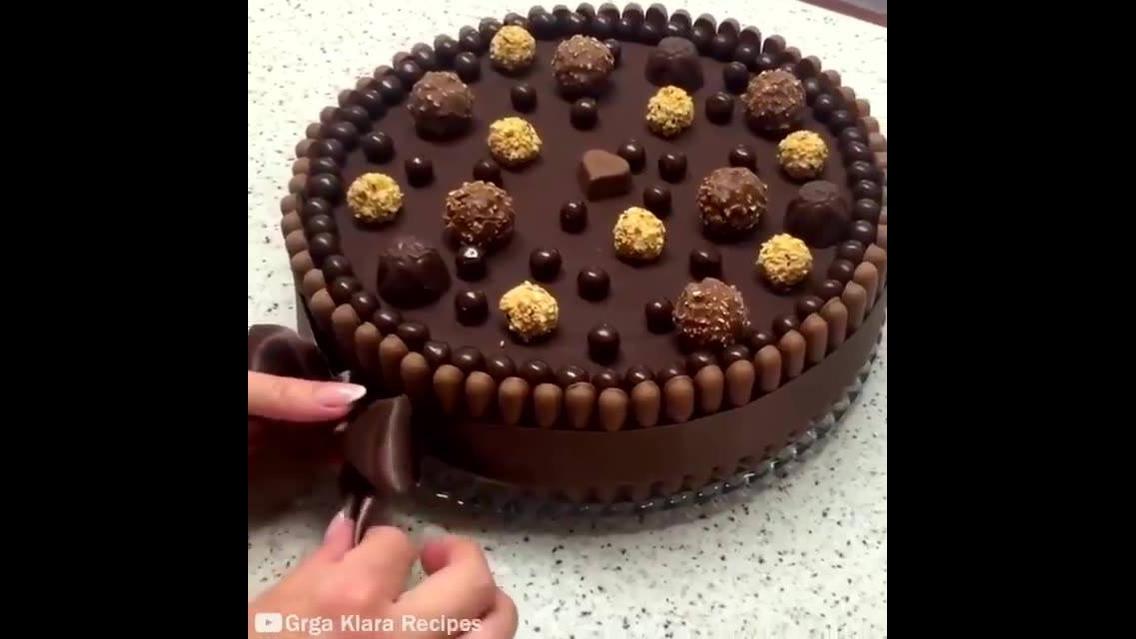 Bolo com chocolate ao extremo