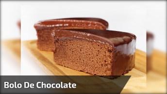 Bolo De Chocolate, Com Cobertura De Chocolate E Recheio De Chocolate!