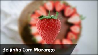 Bolo De Chocolate Com Recheio De Beijinho E Morango, Uma Delicia!