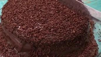 Bolo De Chocolate Irresistível, Duvido Você Não Ficar Com Água Na Boca!