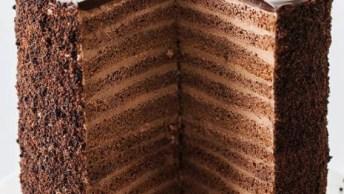 Bolo De Chocolate Mais Alto Que Você Já Viu, Que Tentação!