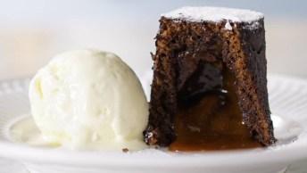 Bolo De Chocolate Recheado Com Caramelo Salgado, Irresistível!