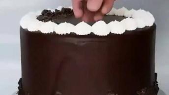 Bolo Decorado Com Casquinha De Chocolate, Que Ideia Incrível!