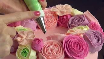 Bolo Decorado Com Rosas De Glacê, Um Trabalho Lindo Para Enfeitar Sua Festa!