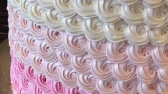 Bolo Decorado Em Cores Degradê Rosa, Rosa Claro E Perola!