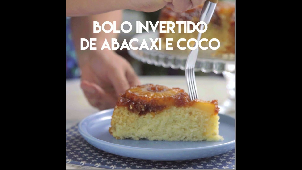 Bolo Invertido de Abacaxi e Coco