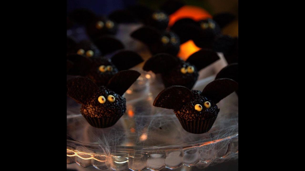 Brigadeiros de Morcegos, para enfeitar sua festa de Halloween