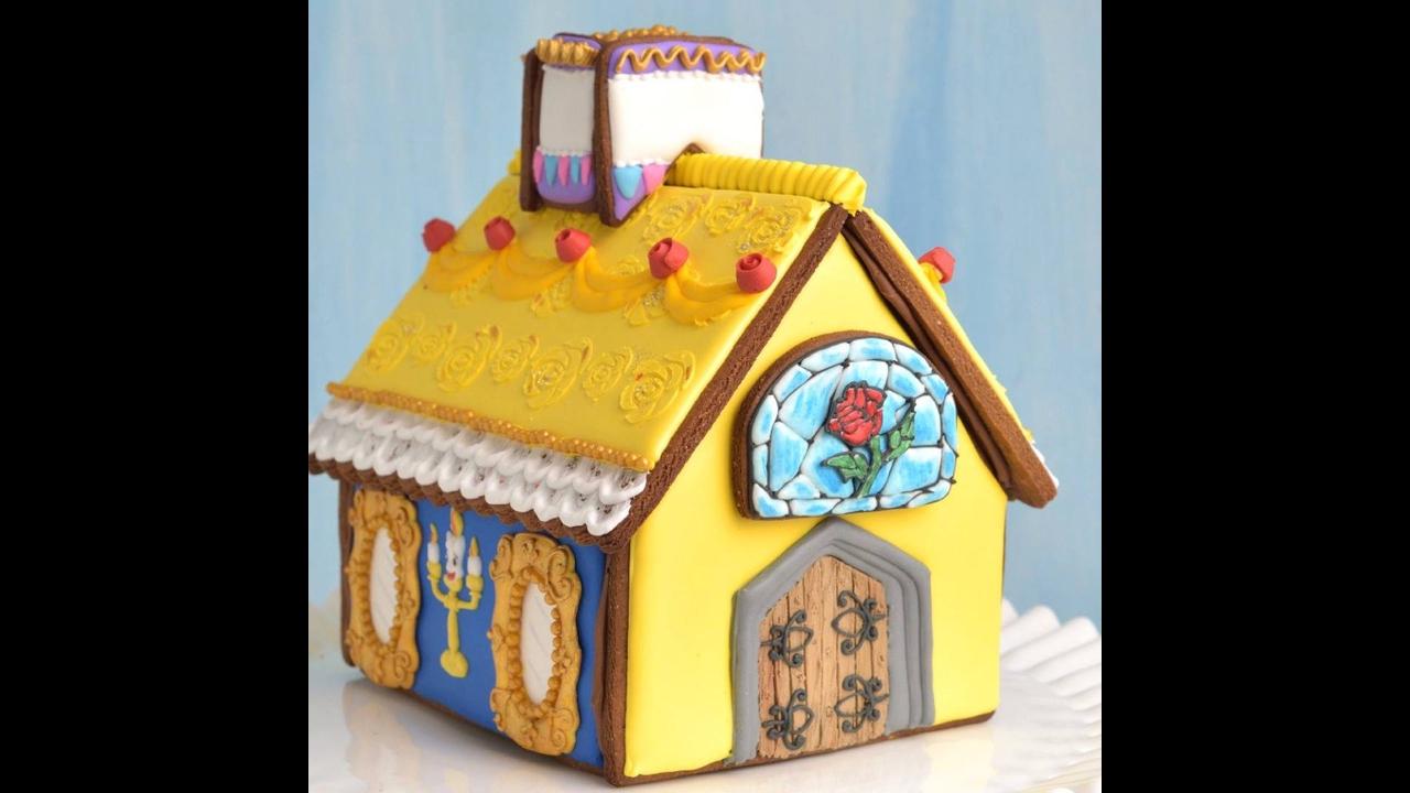 Casinha de biscoito decorado com tema de desenho infantil