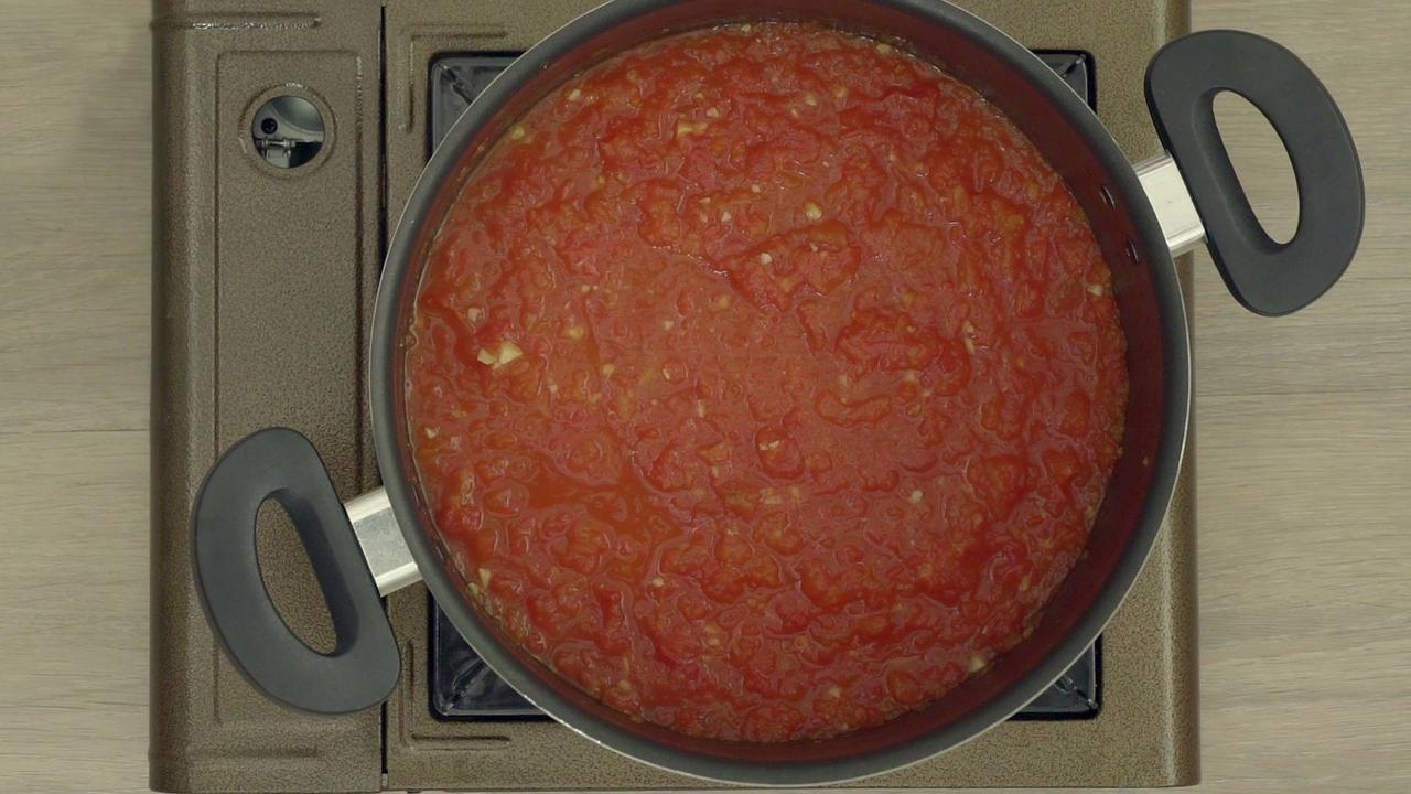Como fazer molho de tomate caseiro, uma receita saudável e fácil de fazer!