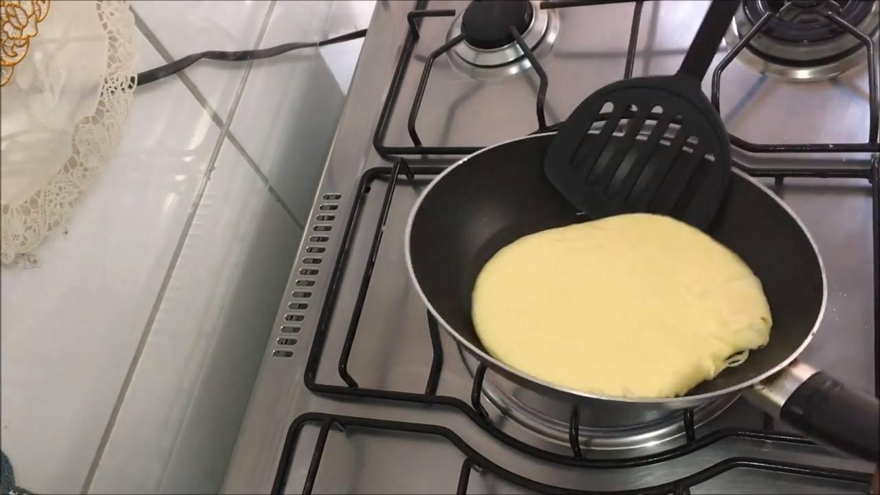 Como fazer pão de queijo de frigideira