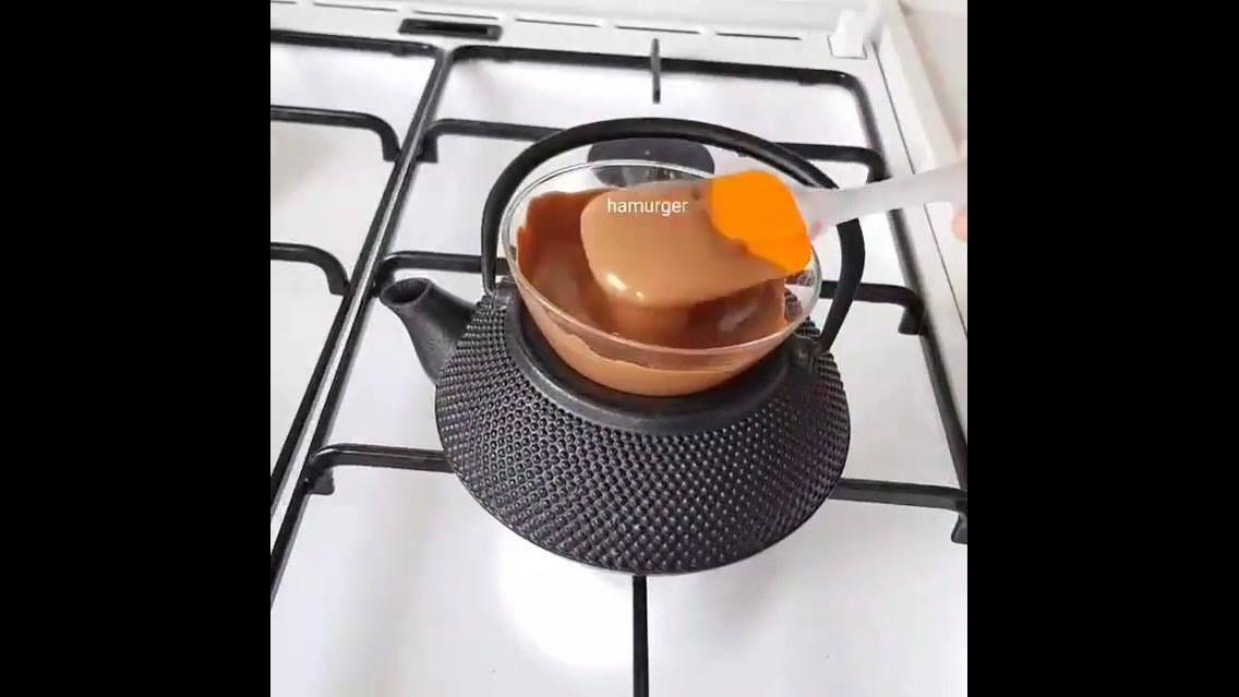 Como usar gelo para fazer uma sobremesa de chocolate