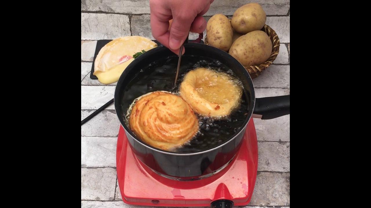 Copinho de Churros Salgado, com recheio de queijo e Bacon