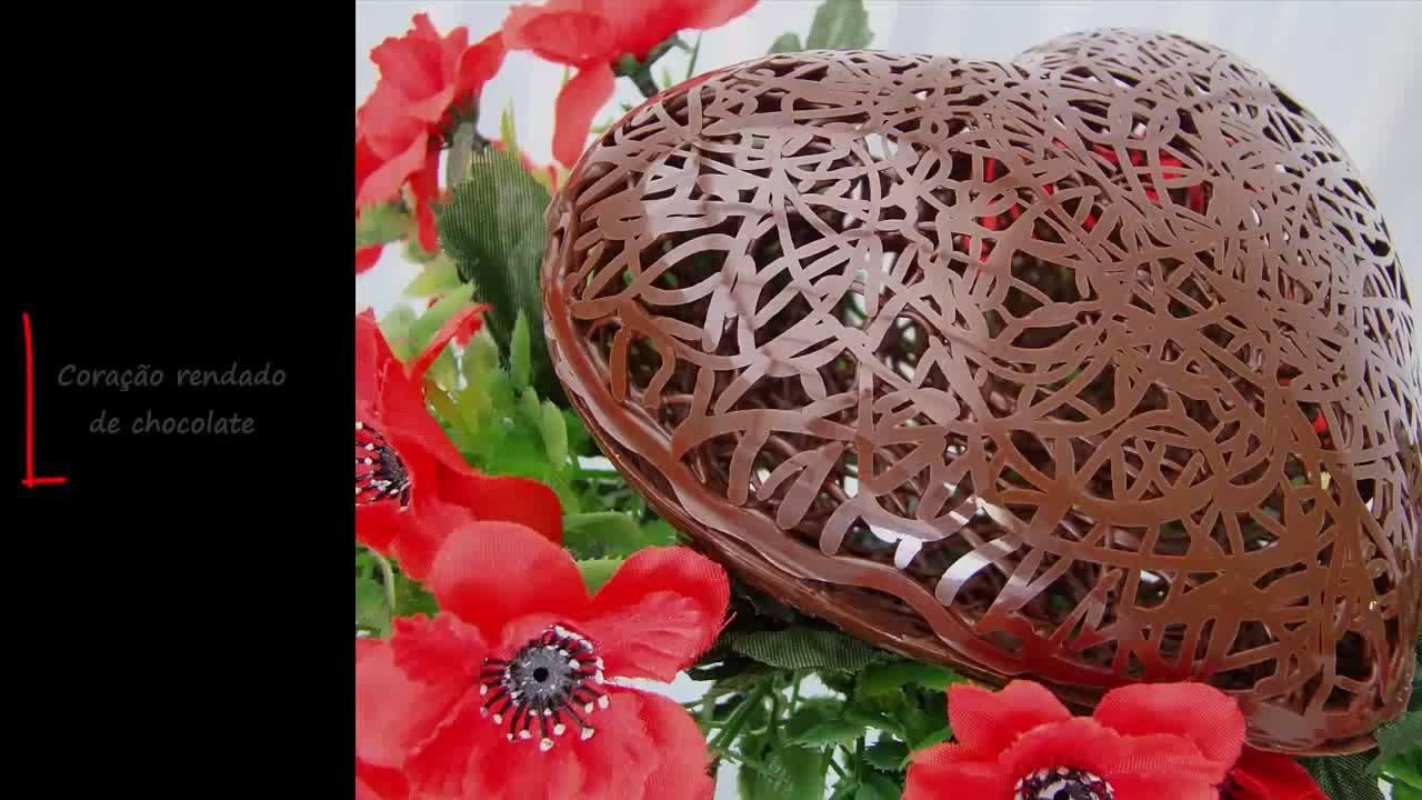 Coração rendado de chocolate