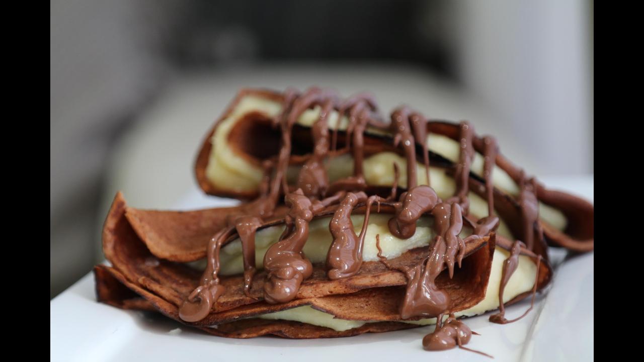 Crepe de Nutella recheada de brigadeiro de Leite Ninho