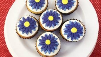Cupcake Com Flor Lilás, Perfeito Para Fazer Para O Dia Das Mães!
