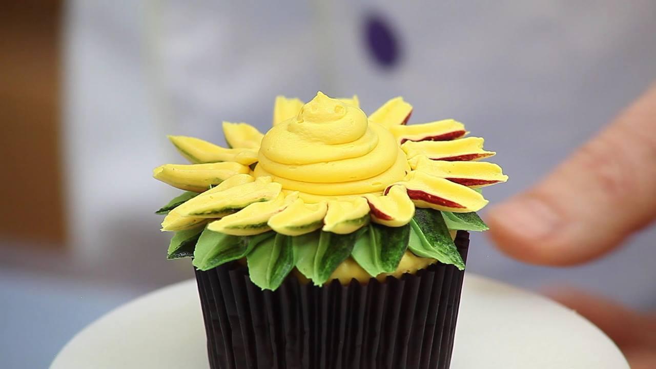 Cupcake em forma de flor, ficam lindos