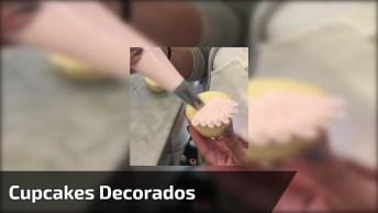 Cupcakes Decorados Com Uma Bela Flor, Fácil De Fazer E Fica Bonito!