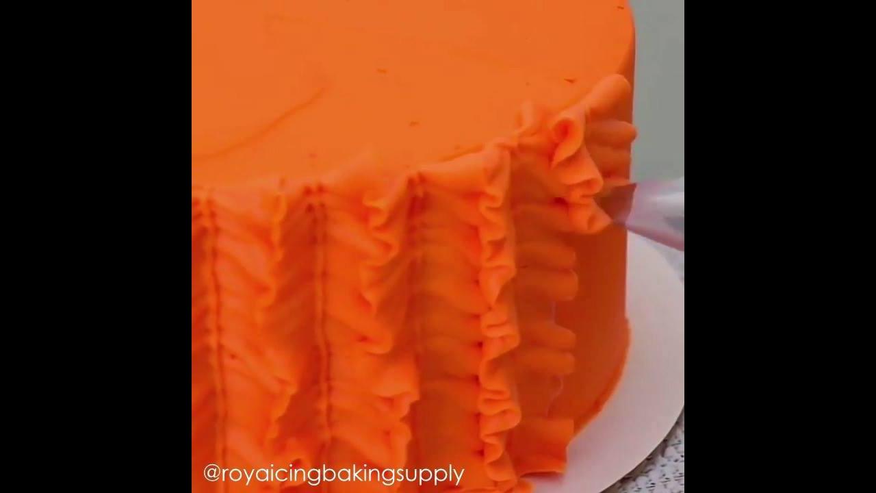 Decoração de bolo com ondinhas, mais um video muito legal de confeitaria!
