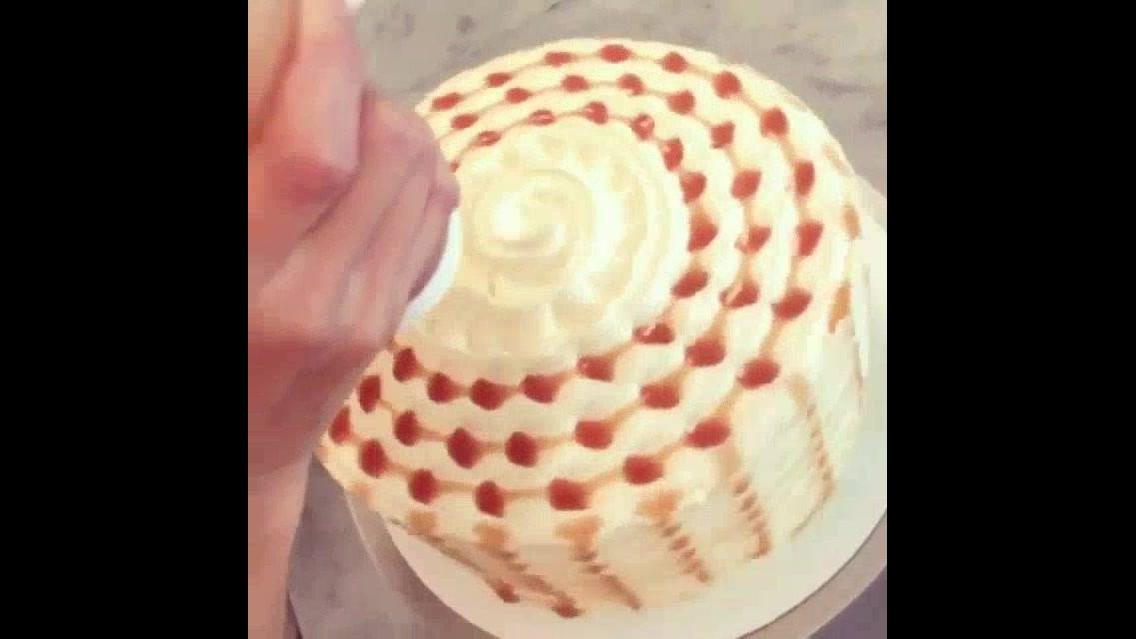 Decoração de bolo diferente