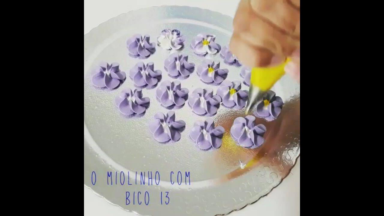 Dicas de confeitaria, como fazer florzinhas com miolo branco