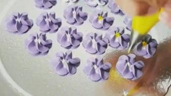 Dicas De Confeitaria, Como Fazer Florzinhas Com Miolo Branco!