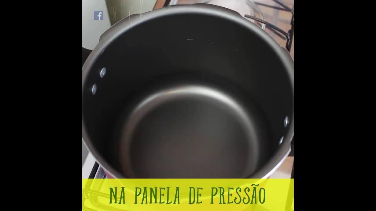 Escondidinho de Carne Louca com Purê de Batata