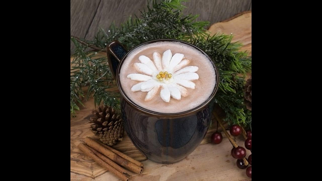 Flor de Marshmallow para enfeitar seu Cappuccino, uma ideia super legal!