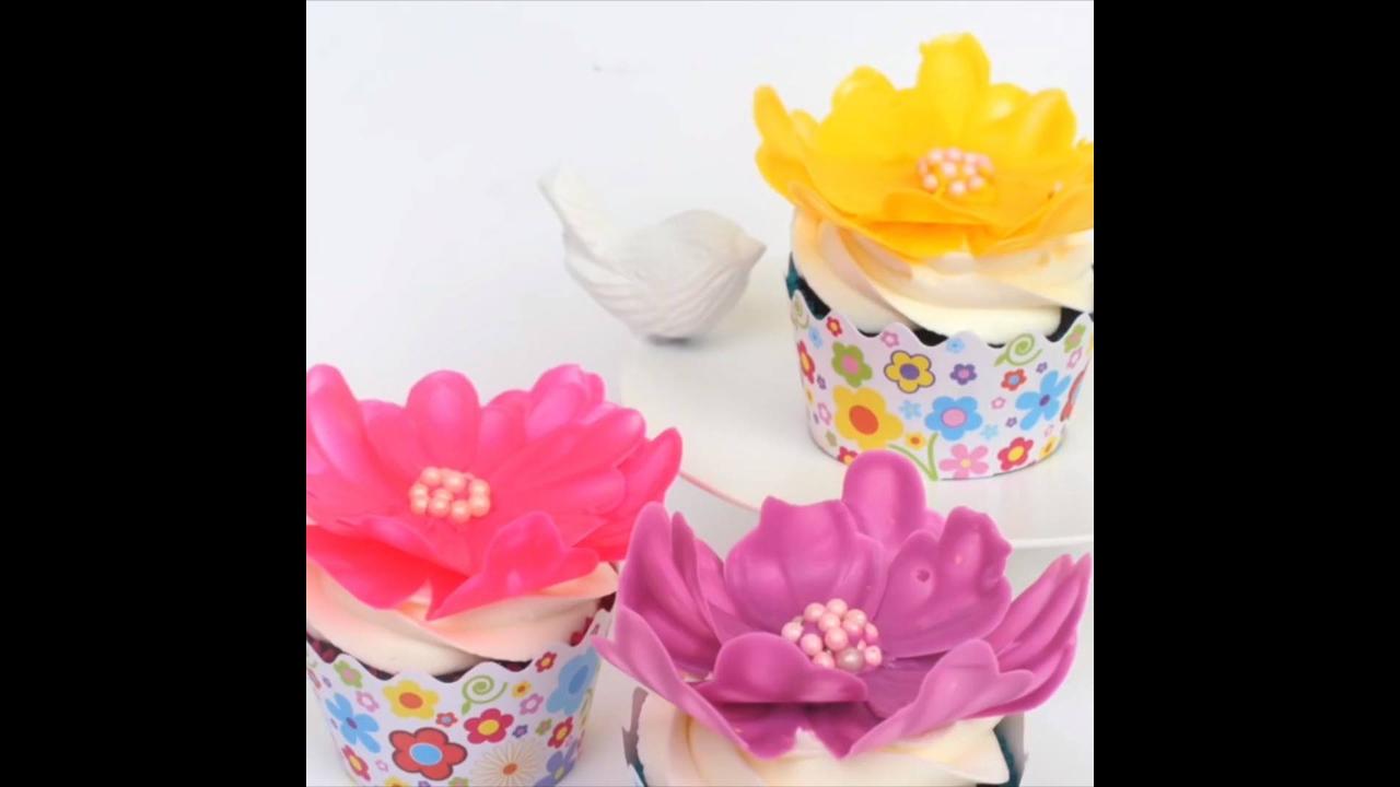 Flores feitas com chocolate branco