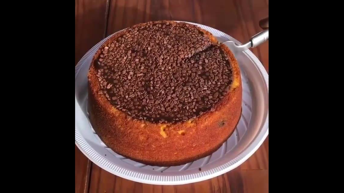 Imagens de um delicioso bolo de cenoura