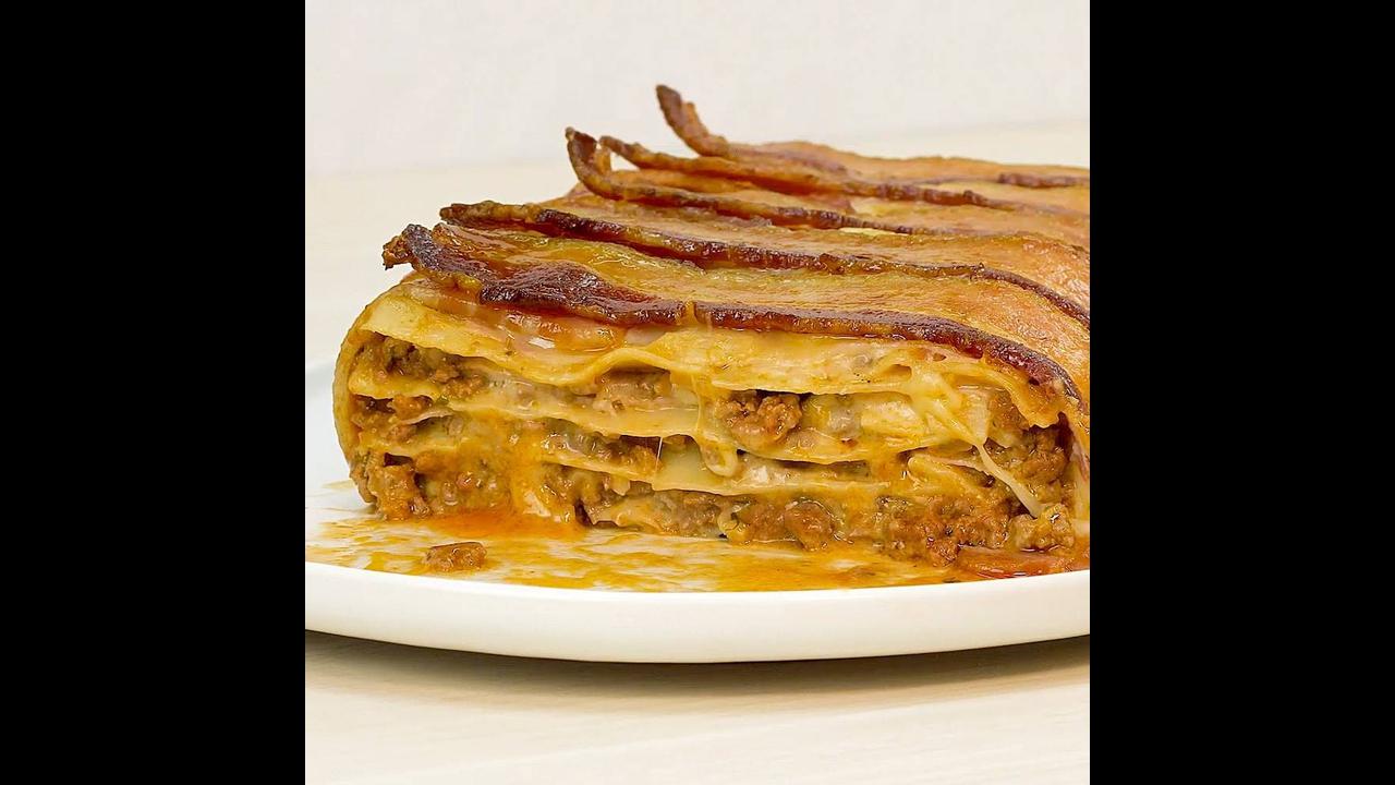 Lasanha à Bolonhesa coberta com Bacon