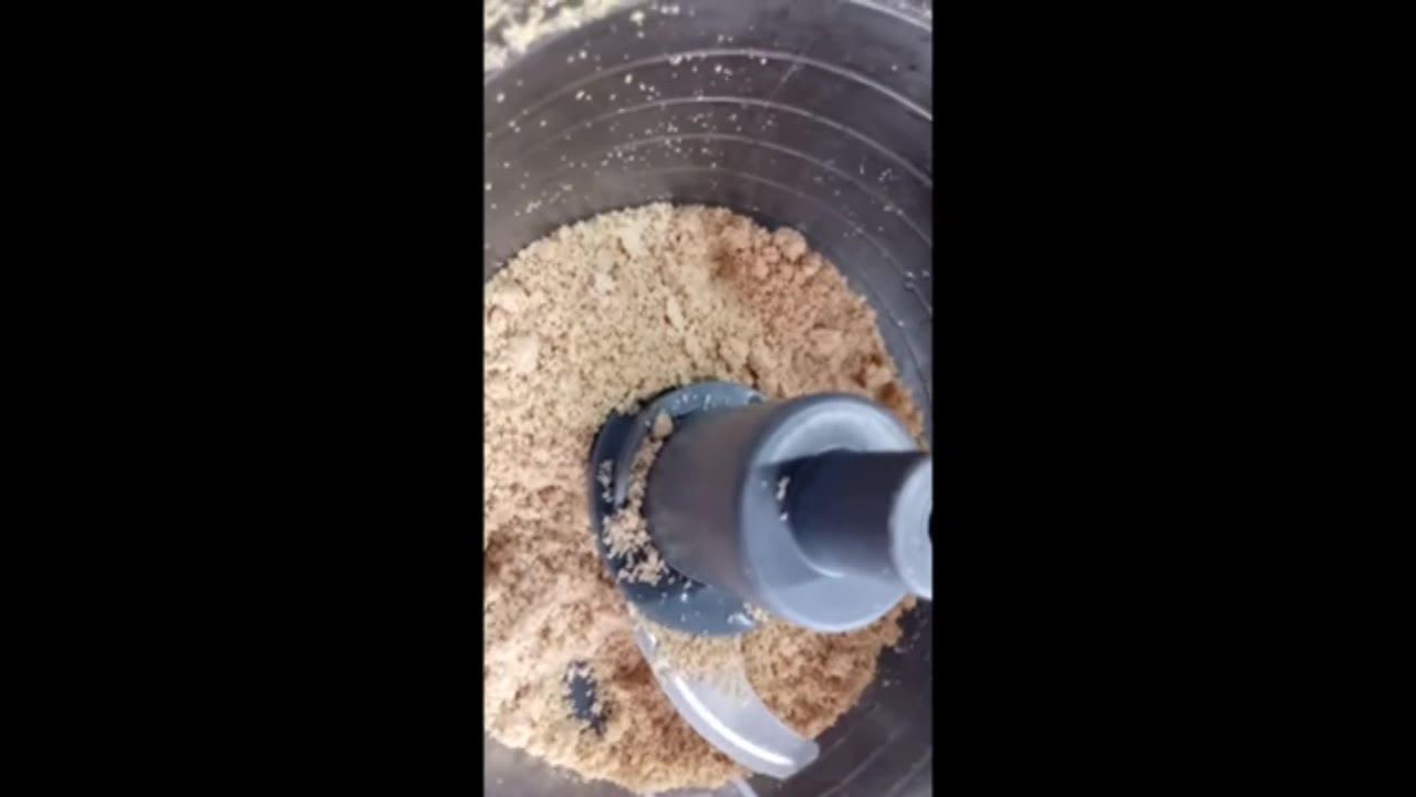 Low Carb - Aprenda a fazer farinha de amendoim